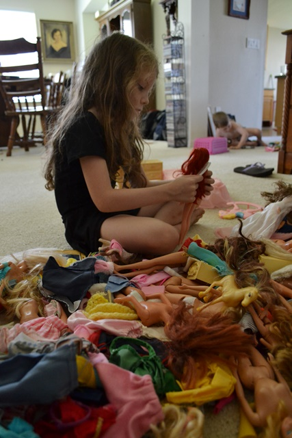 S playing barbies